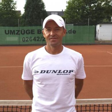 Romans Tennisschule Remagen Chef-Trainer Roman Garzorz